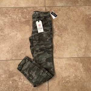 Vanilla Star Camouflage Mid-Rise Skinny Jeans